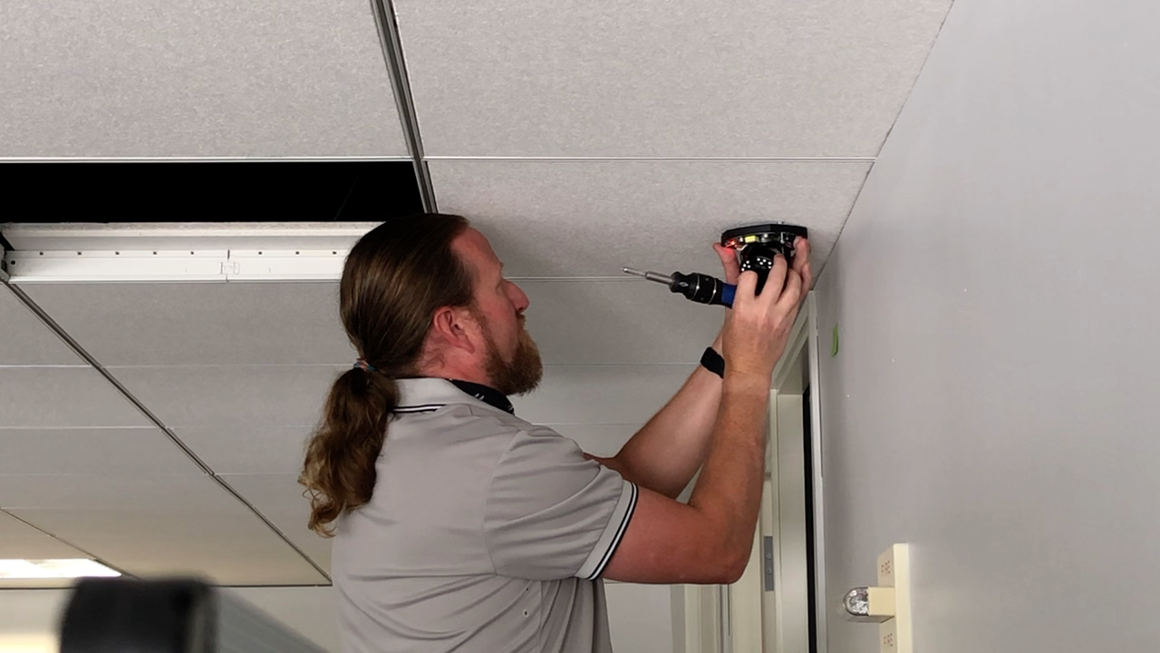 mounting camera to ceiling